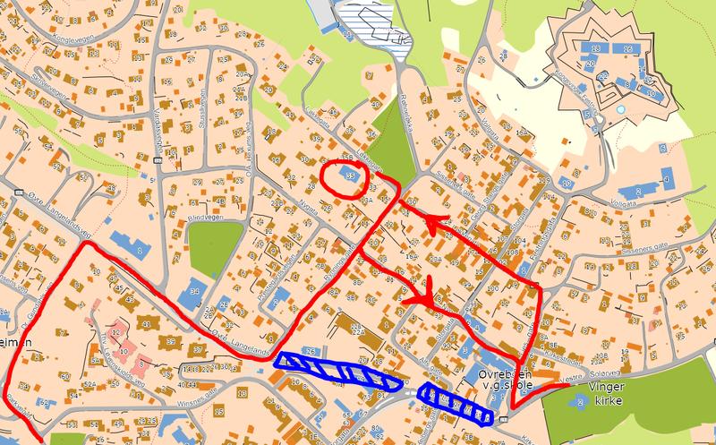 Tegning fra Kongsvinger kommune: Midlertidig kjøremønster for å komme til Kvinnemuseet f.o.m. 12. august. Kvinnemuseet merket med rød ring.