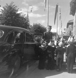 Hamardagen 1946. Kong Haakon VII. ankommer til lunsj i Festi