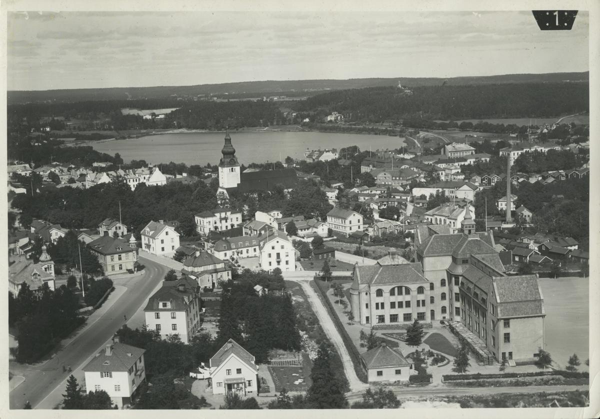 Flygfoto över Hudiksvall och Lillfjärden.