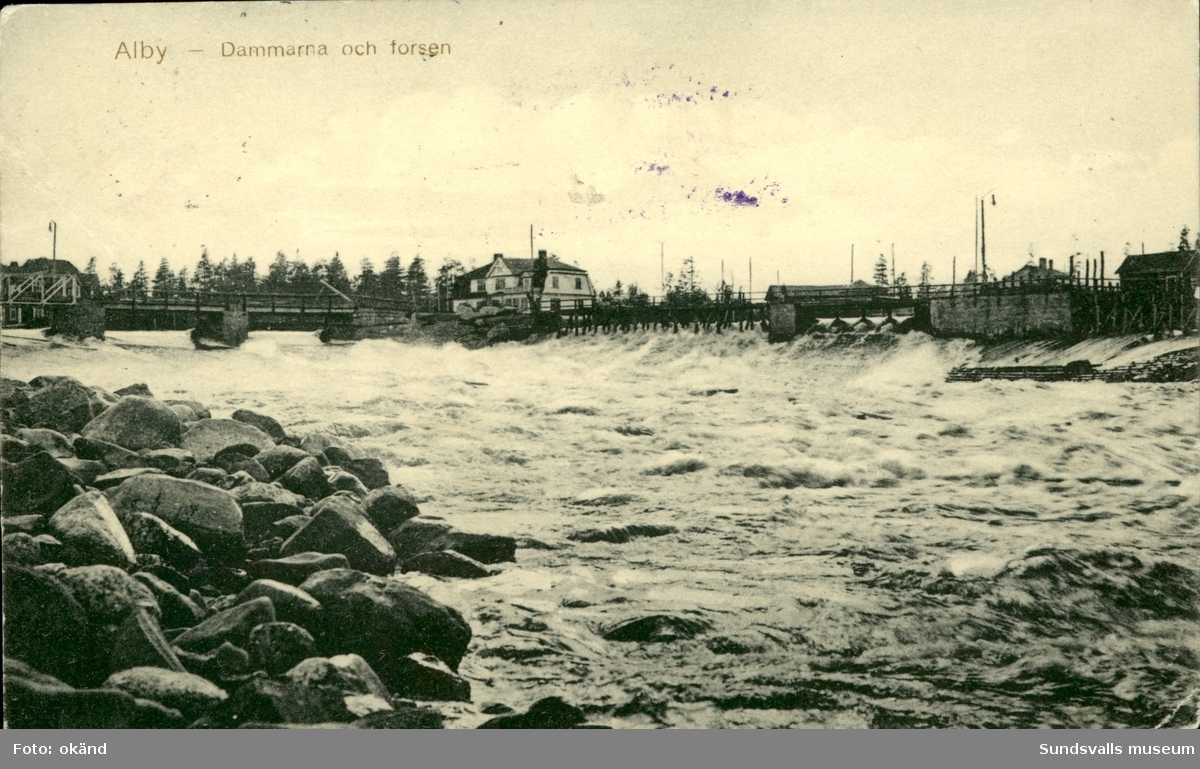 Vykort med motiv över dammarna och forsarna i Alby.