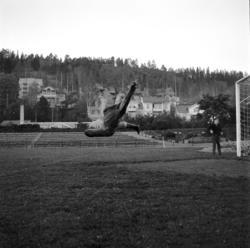 GIF Sundsvalls målvakt Åke Persson i aktion. Reportagebilder