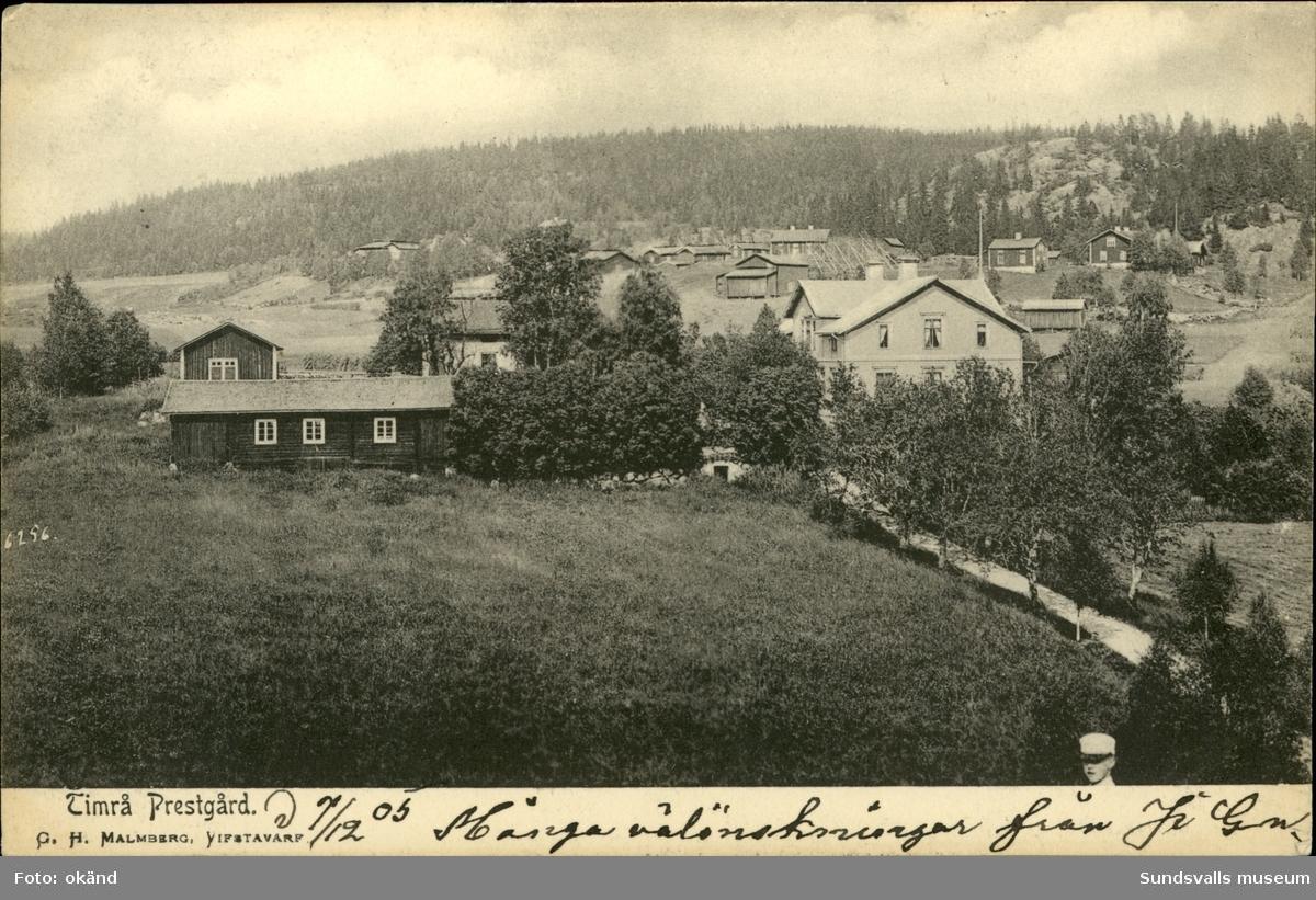 Vykort med motiv över prästgården i Timrå.