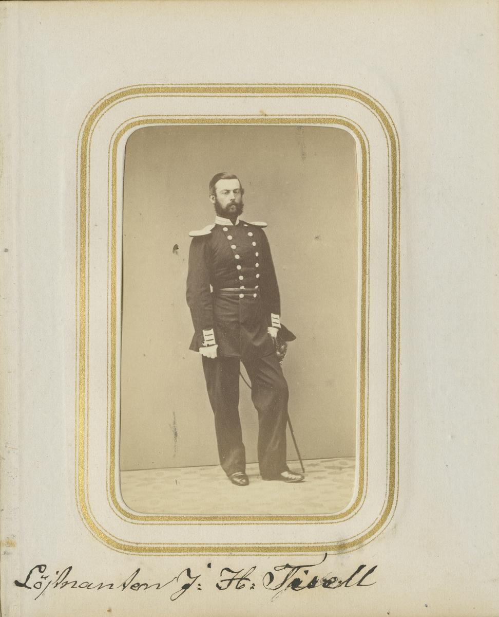 Porträtt av Johan Henrik Tisell, löjtnant vid Andra livgrenadjärregementet I 5.  Se även bild AMA.0001877 och AMA.0001966.