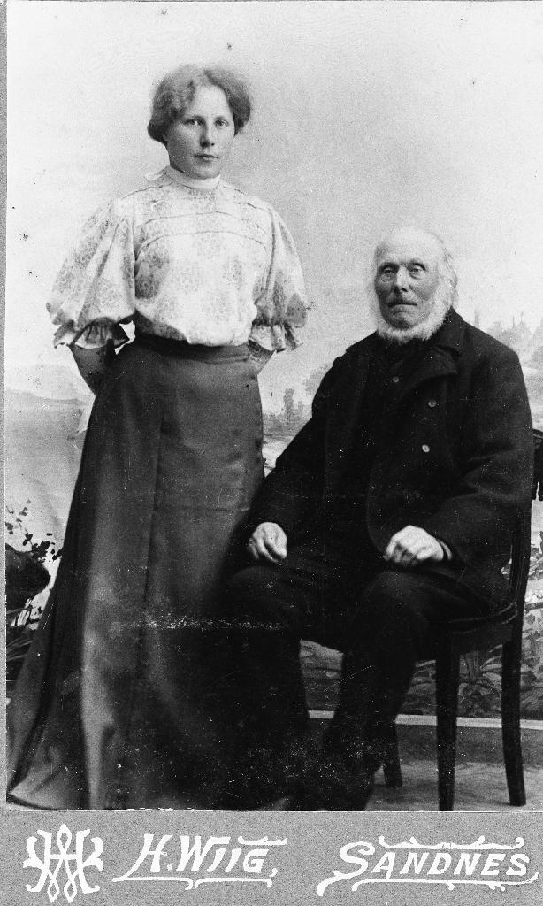 Ivar Hognestad (1825 - 1906) med barnebarnet Elisabeth Hognestad (1886 - ) g. Steinsland.