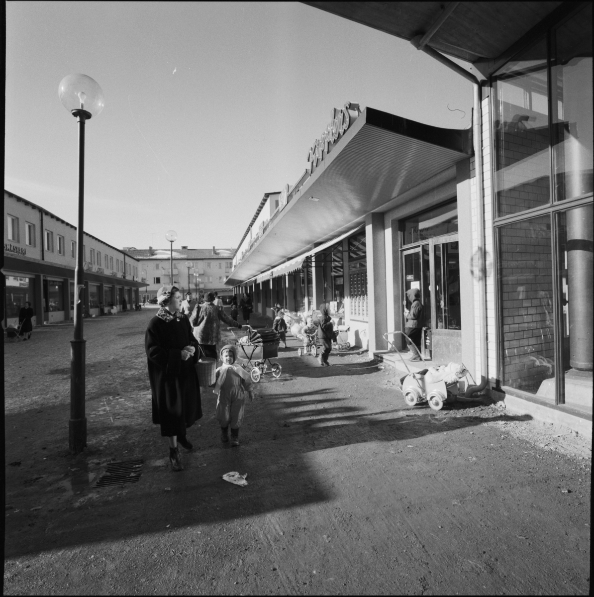 bandhagen centrum butiker