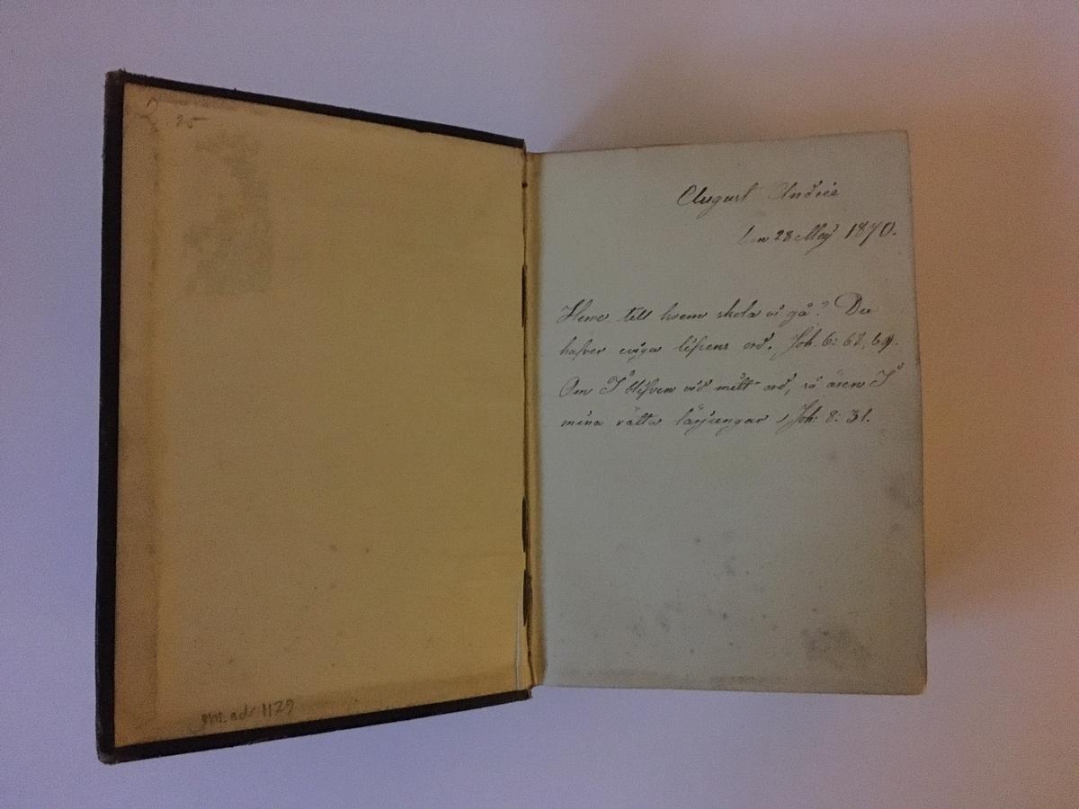 """""""Biblia eller Den heliga skrift, innehållande gamla och nya testamentets canoniska böcker."""" Ett flertal marginalanteckningar av S A Andrées hand. Tryckt på brittiska och utländska bibel-sällskapets bekostnad, hos Spottiswoode och Cie."""