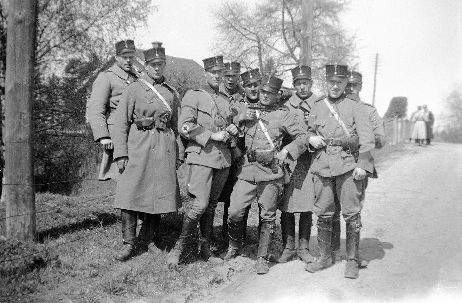 Värnpliktiga i uniform m/1910, mössa m/ä.