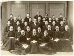 Norrby socken, Sala. Konfirmation. Läsbarn år 1892.