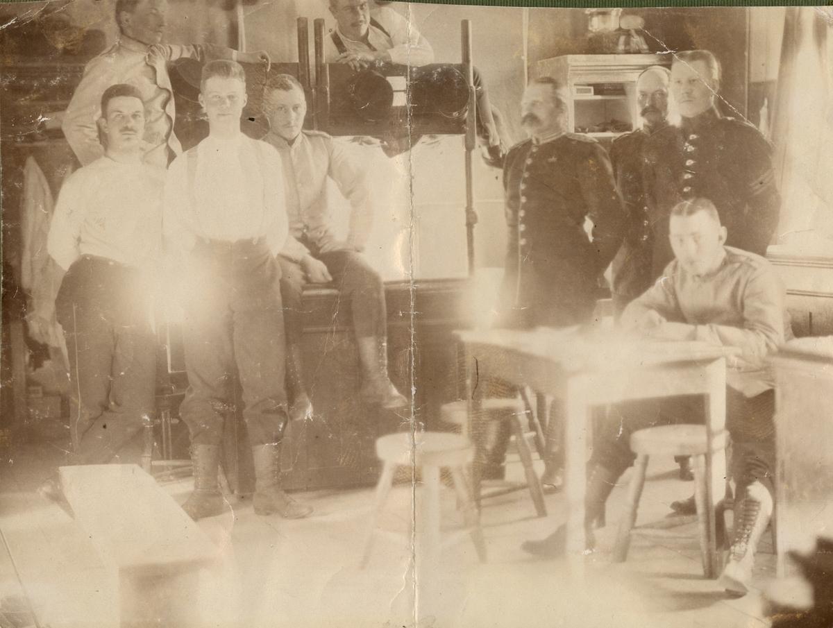 "Text i fotoalbum: ""Logementet, Karlsborg 1902""."