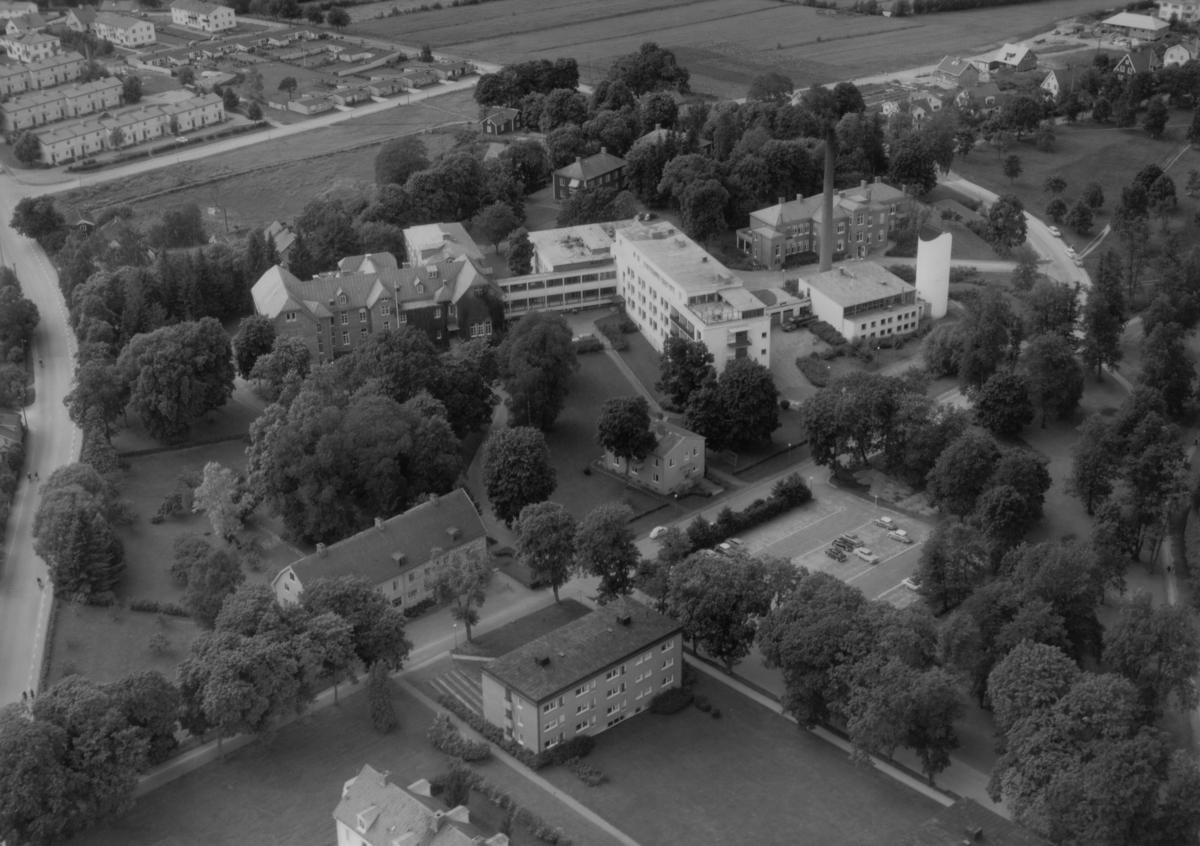 Flygfoto över Eksjö lasarett i Jönköpings län. 1196/1962