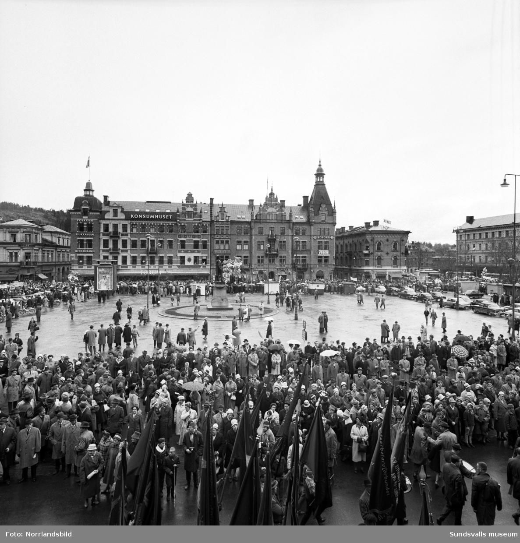 1 maj-demonstration och tal av inrikesminister Rune Johansson.
