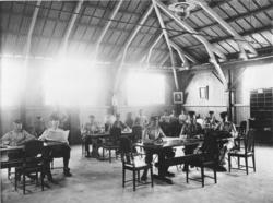 Interiör från södra marketenteriet i gamla mathallen vid Läg