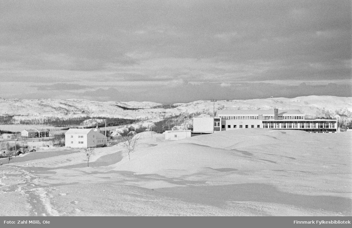 Bildet er muligens tatt i Tana kommune rundt 1970?