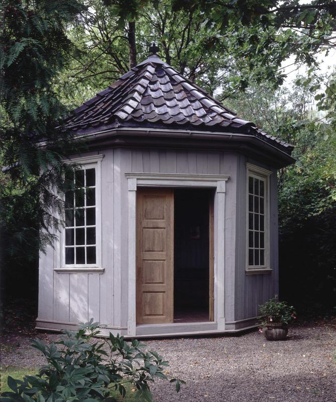 Wergelands lysthus i den engelske hagen på Norsk Folkemuseum, 1994. (Foto/Photo)