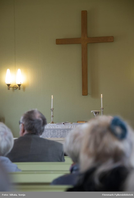 Gudstjeneste i Skallelv kapell i den 12. august i 2018. Skallelv kapell ligger i Vadsø kommune ca. 30 km mot Vardø. Den ble oppført i 1960. Kirken har 78 sitteplasser. Kapellet er tegnet av arkitekt Rolf Harlew Jenssen.