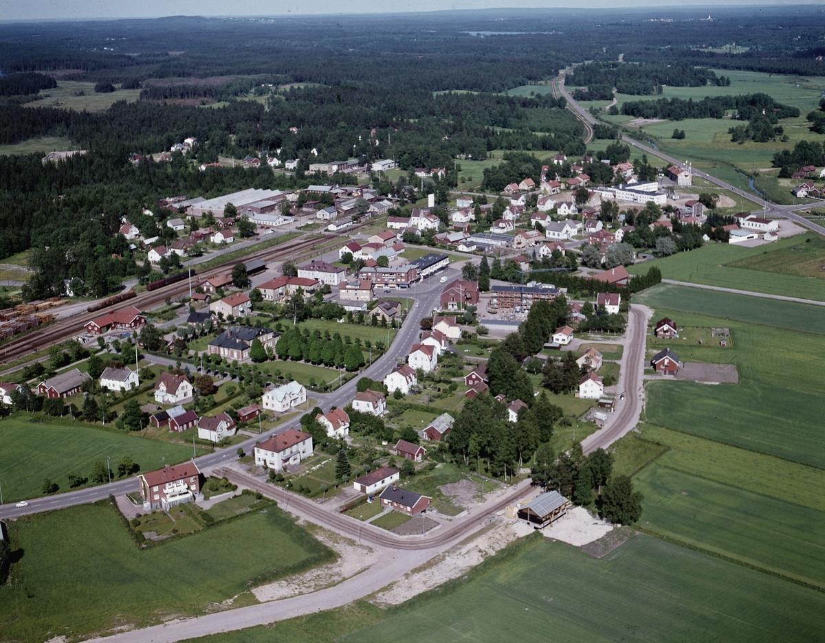 Flygfoto över Reftele i Gislaveds kommun. Jönköpings län 339/1968