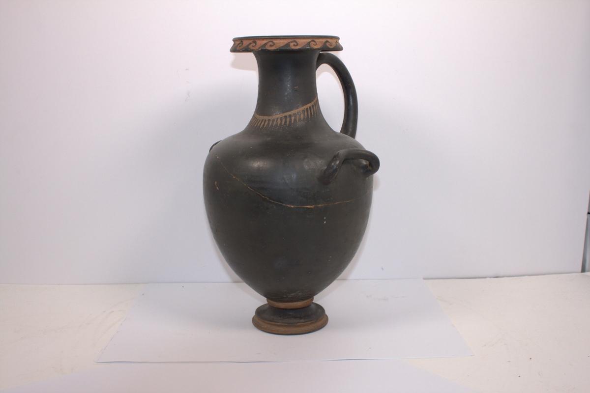 En stor terekotta vannkrukke fra Pompeii