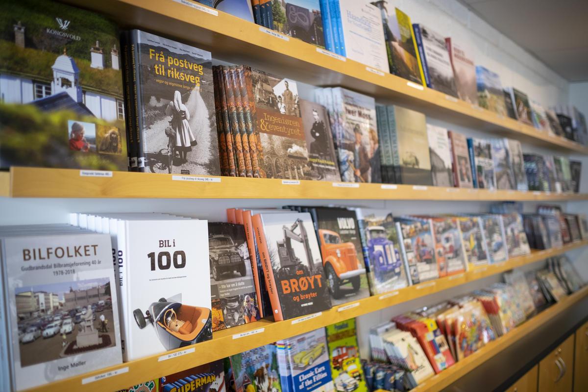 Bøker til salgs på Norsk vegmuseum. Foto: Morten Reiten (Foto/Photo)