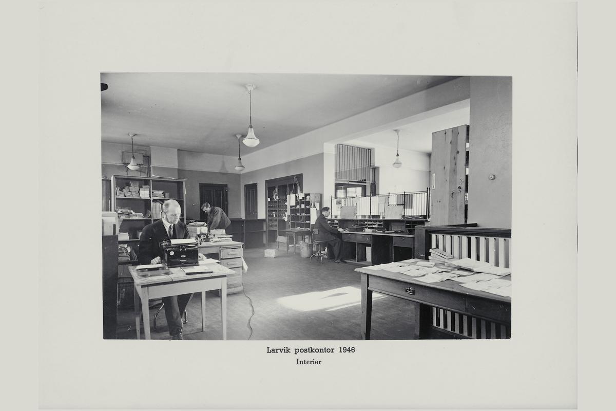 interiør, postkontor, 3250 Larvik, ekspedisjon, ekspeditør, skrivemaskin, personale