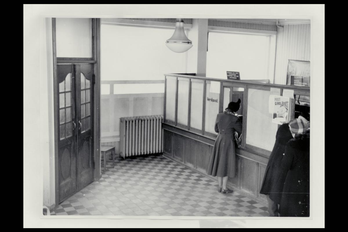 interiør, postkontor, 1700 Sarpsborg, publikumshall. kunde