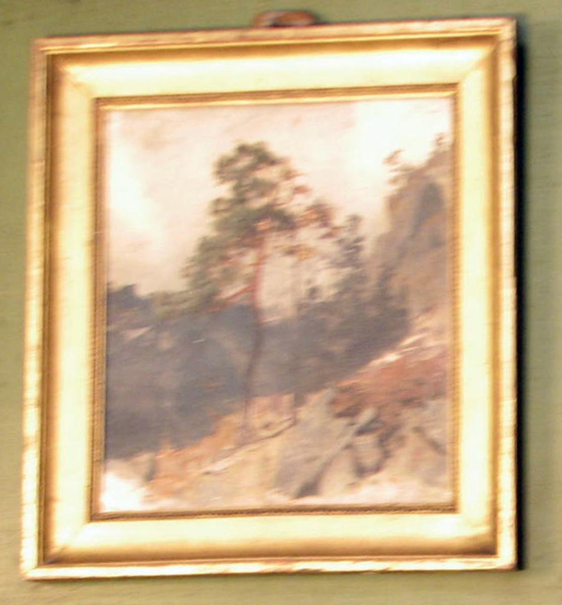 Rektangulært. Landskap; 2 furuer, bergkammer tilh., blågrå skog På baks. plate m. fargeprøver.