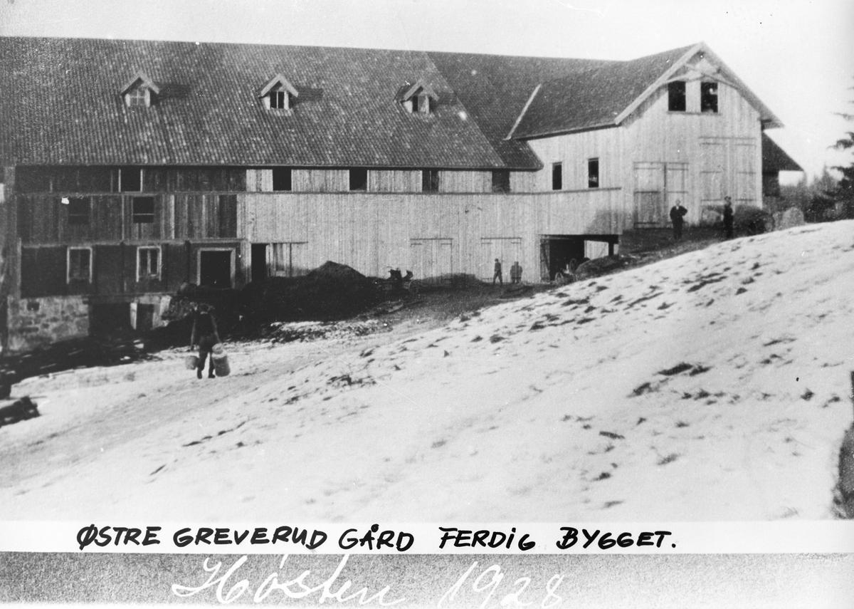 Driftsbygningen på Østre Greverud Gård. Ferdig ombygget i 1928.