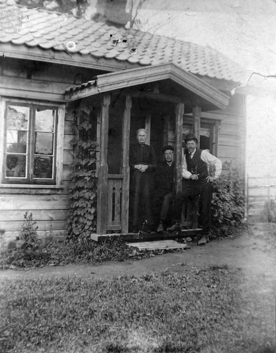 Karina og Harald Kopperud og Hans Jensen fra Oslo.