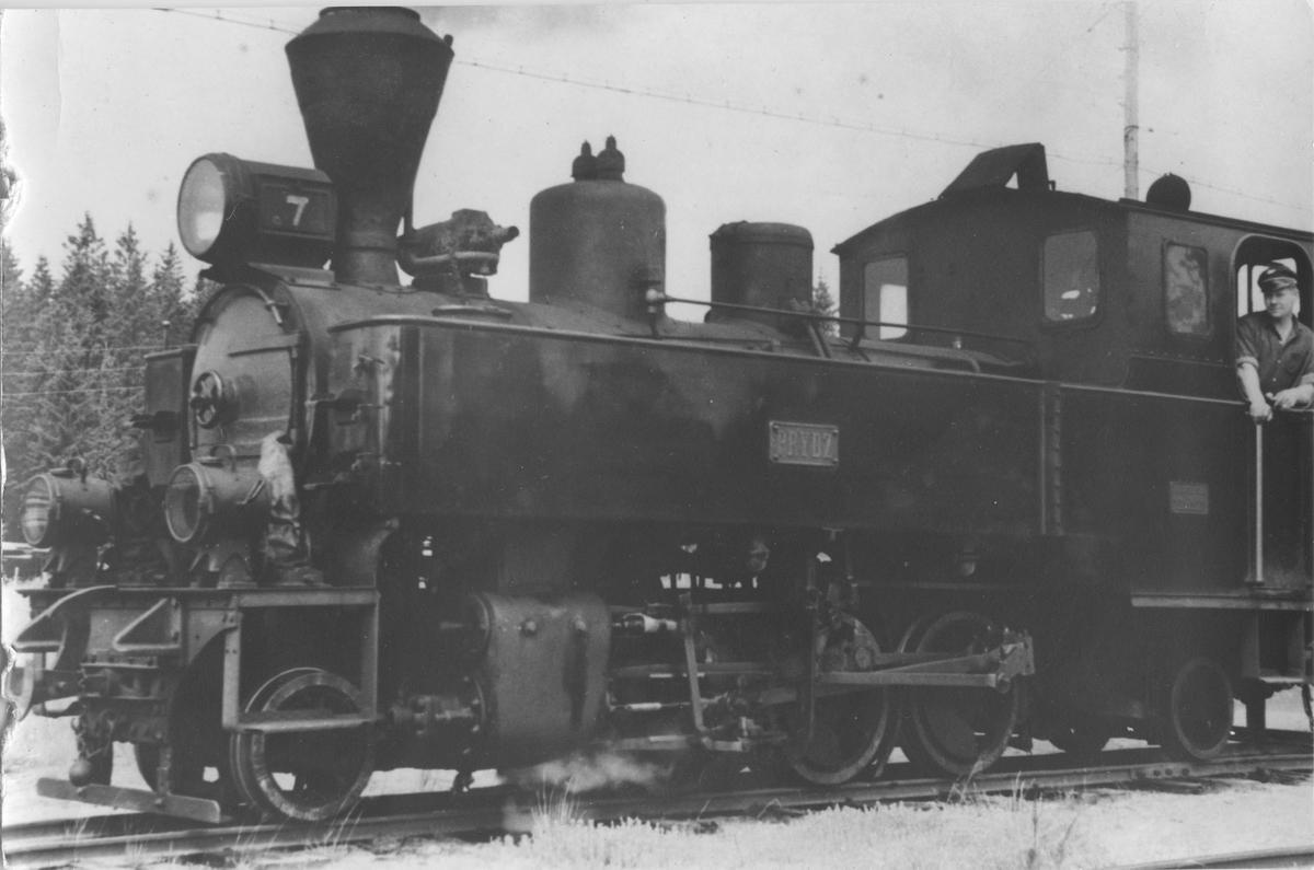 Lok 7 Prydz med fyrbøter Willy Moseby.
