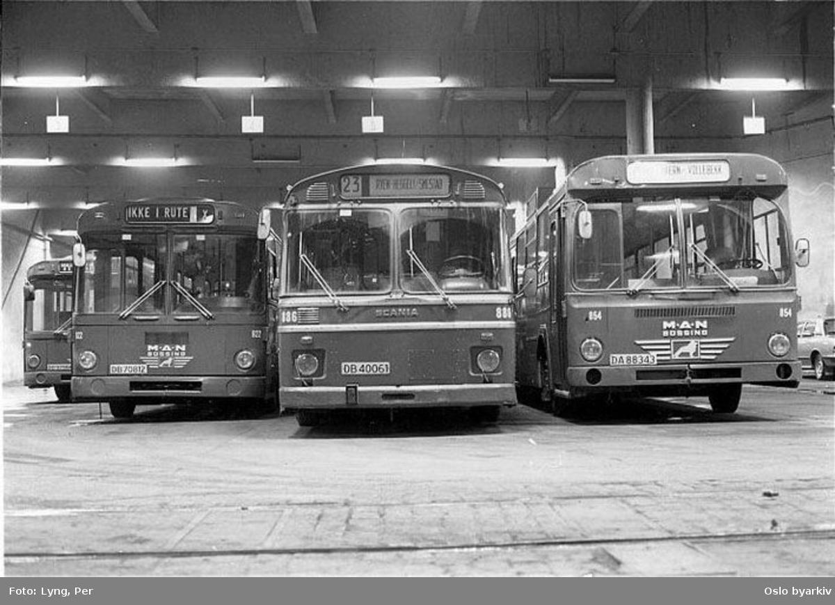 Oslo Sporveier. Busser Man og Scania 854, 886 og 922 fotografert i Bjølsen bussgarasje.
