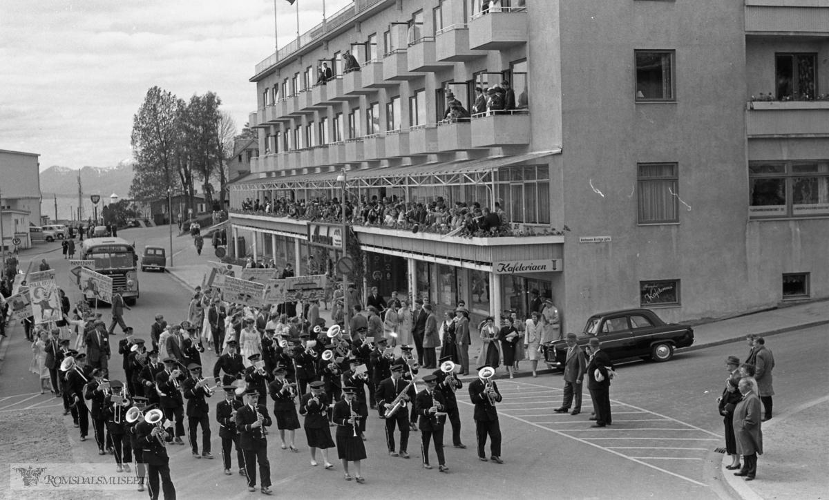 """""""17.mai.1959""""..Fuglset musikkorps."""