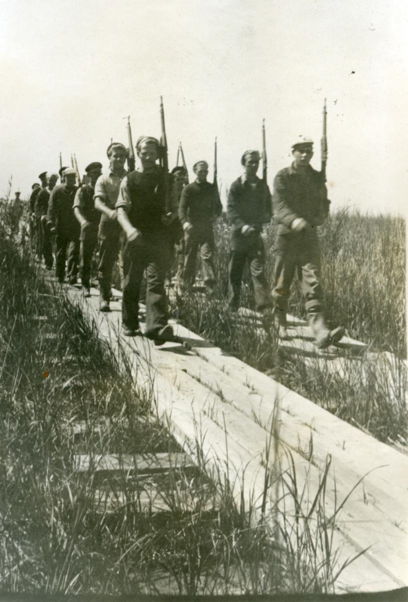 Album Ubåtjager King Haakon VII 1942-1946 Forskjellige bilder. Burwood. L.A.