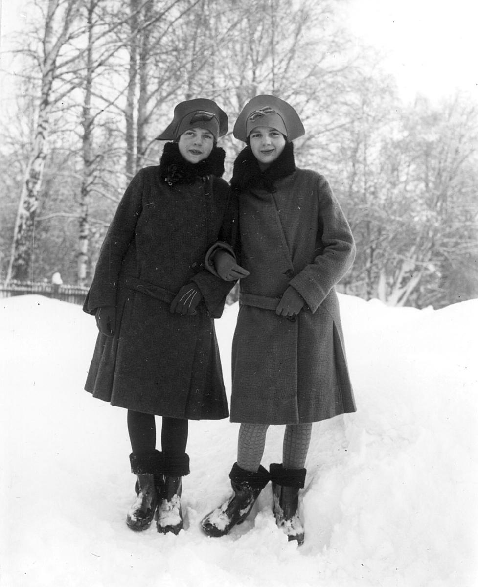 Bilde-To kvinner, vinter
