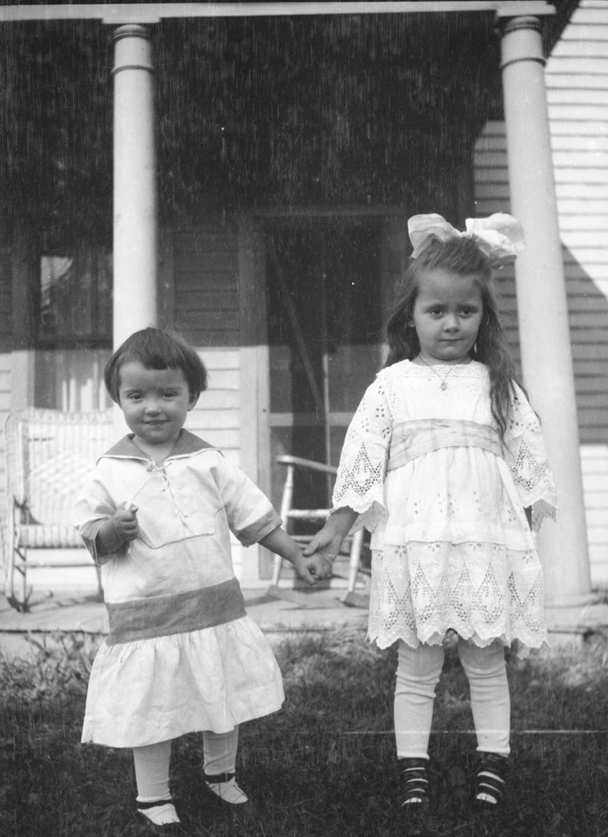 Mildred og Catherine Rustad, USA