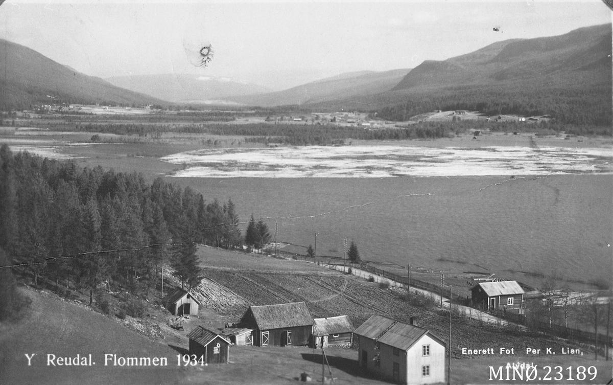 Utsikt over Ytre Rendal - flom i 1934