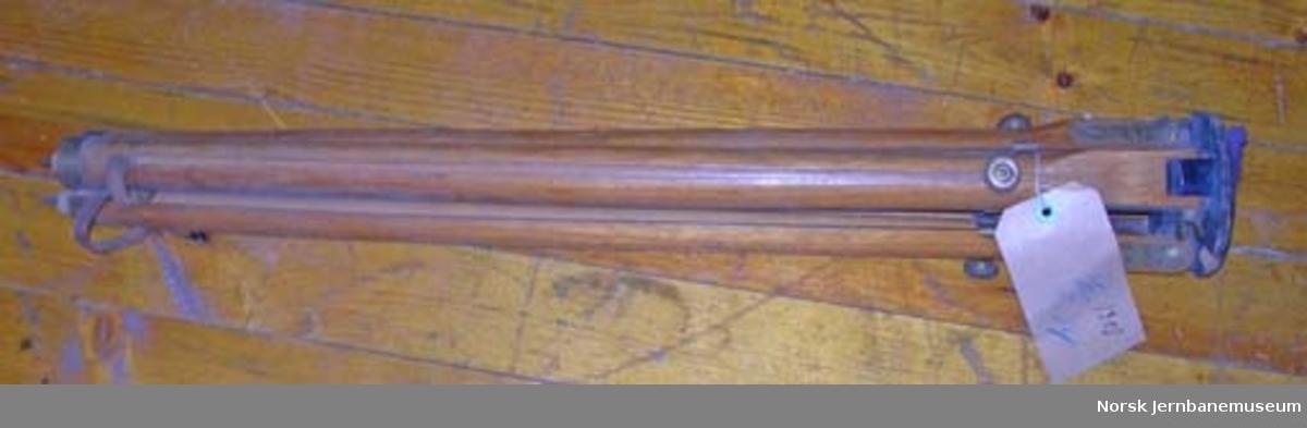 Fotografiapparat for glassplater : med veske og stativ