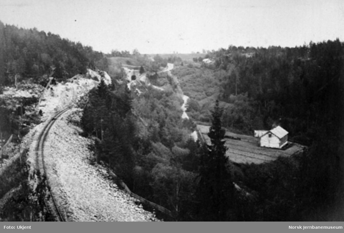 Fra Gullaugkleivene mellom Spikkestad tunnel I og II (Røken store og lille tunneler)