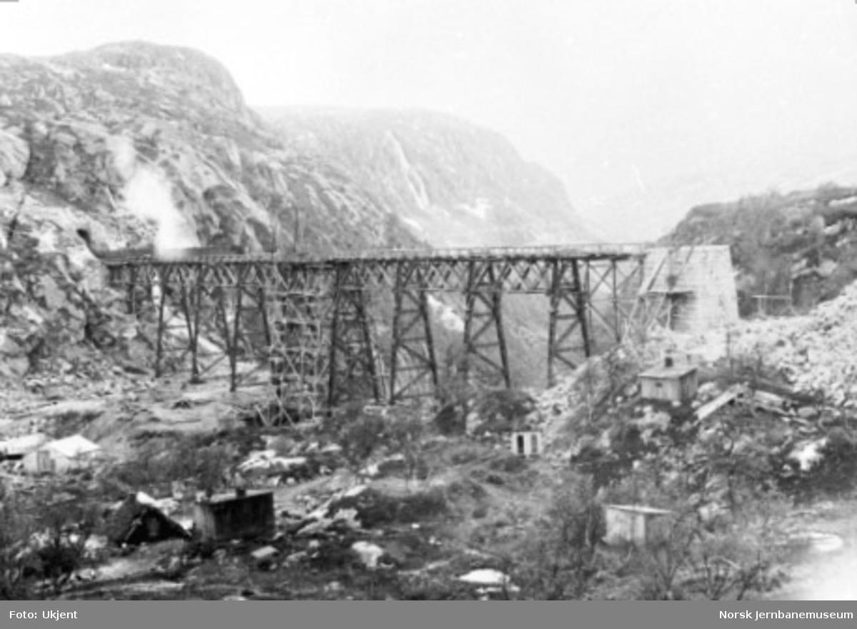 Norddalsbrua under bygging