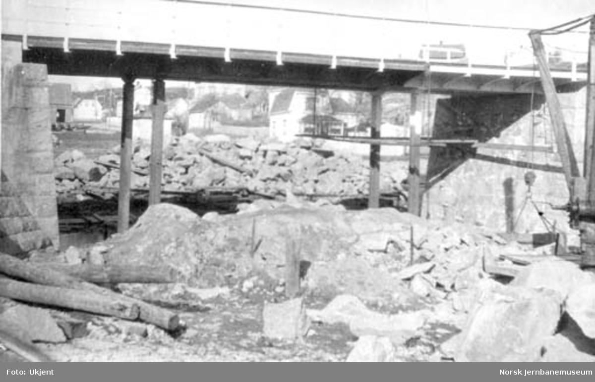 Undergang ved Frydenberg i Fredrikstad under bygging, Østfoldbanens km 92,4