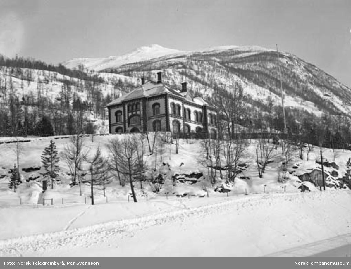 Ofotbanen : NSB Narvik distrikts administrasjonsbygning