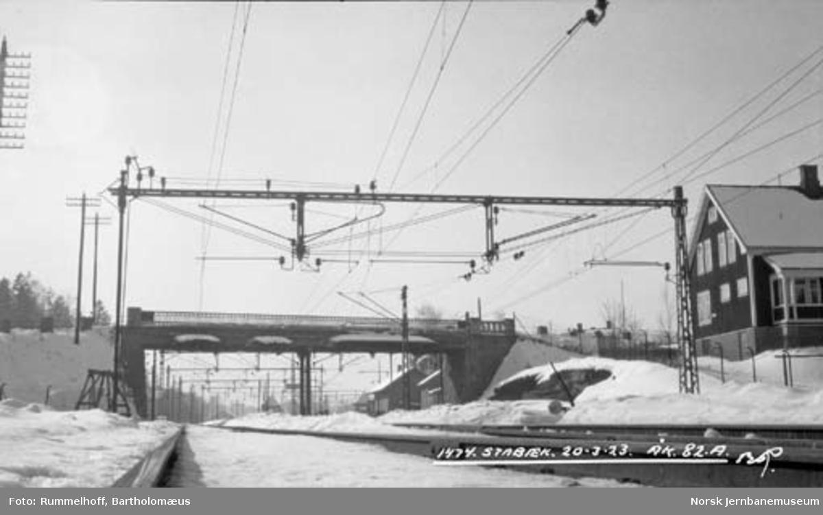 Drammenbanens elektrifisering : kontaktledningsanlegg Stabekk stasjon