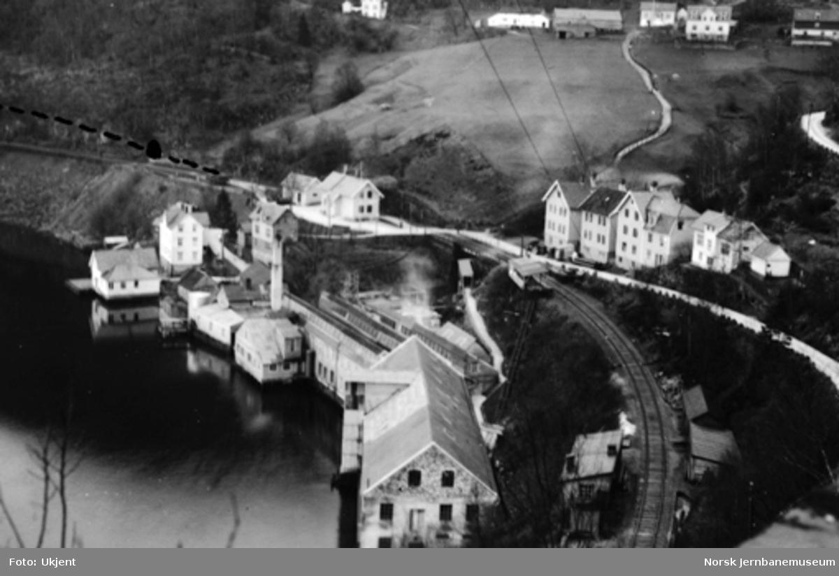 Vossebanens ombygging : oversiktsbilde med inntegnet Trengereid tunnel