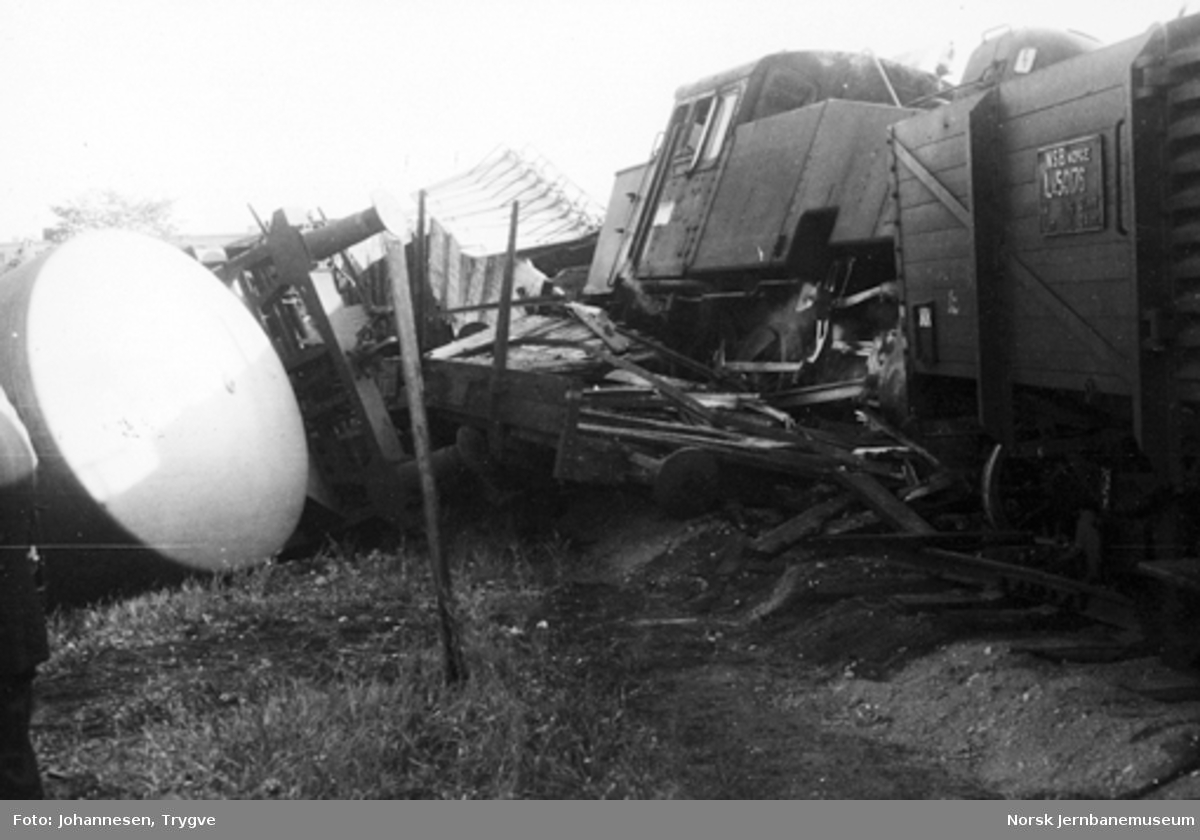 Avsporet godstog ved Sinsen kornmagasin sidespor