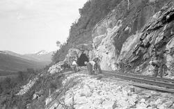 Nordlandsbaneanlegget : justering av skinnegang ved Rauberge