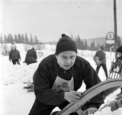 Serie bilder av aking i Korketrekkeren, 23/1-61.