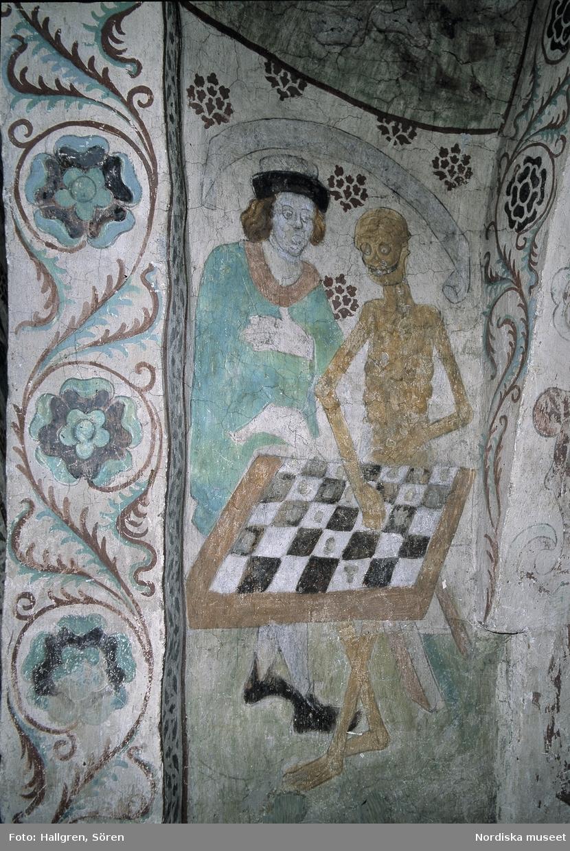 Döden spelar schack. Kyrkomålning i Täby kyrka utförd av Albertus Pictor.