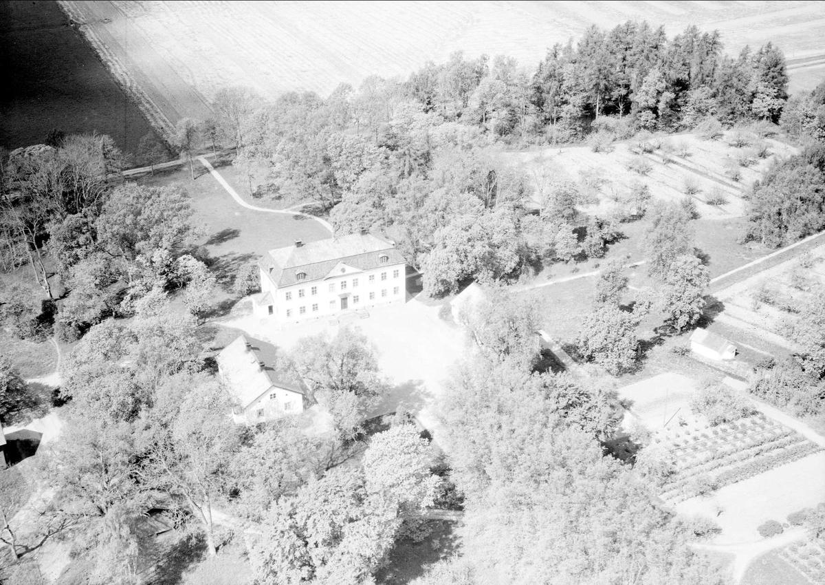 Flygfoto över Strömsta herrgård, Teda socken, Uppland 1955