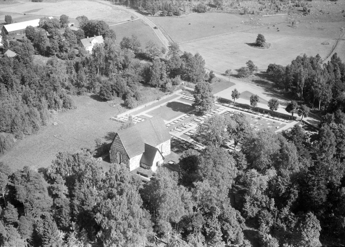 Flygfoto över Dannemora kyrka, Dannemora socken, Uppland 1958