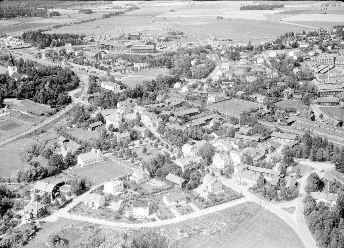 Flygfoto över Heby, Västerlövsta socken, Uppland 1950