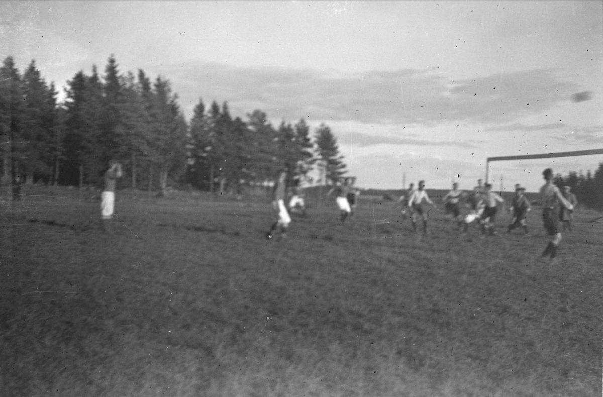Fotbollsmatch - Brunnsta, Österunda socken, Uppland 1940 - 50-tal