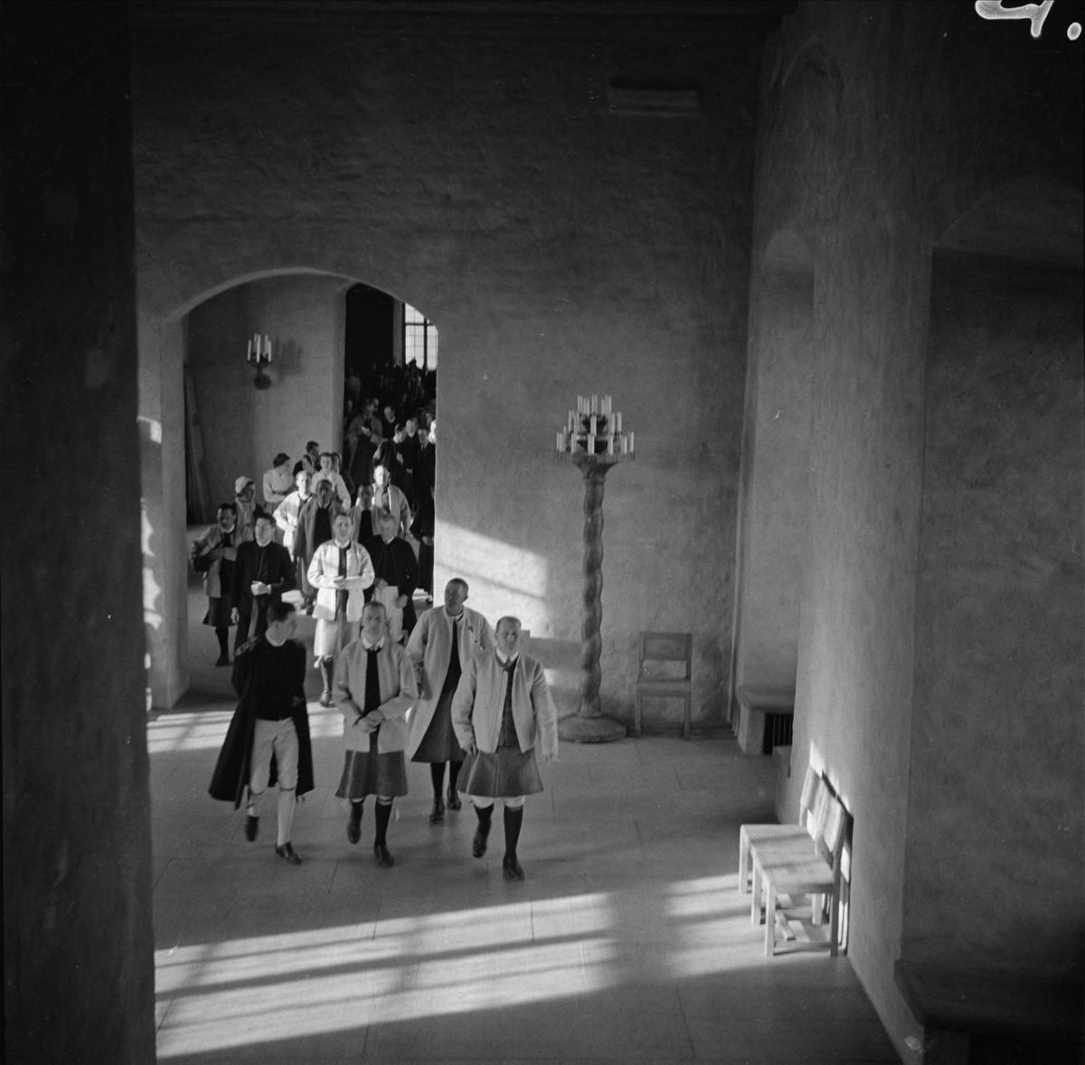 Siljanskören uppträder i Rikssalen på Uppsala slott, april 1938